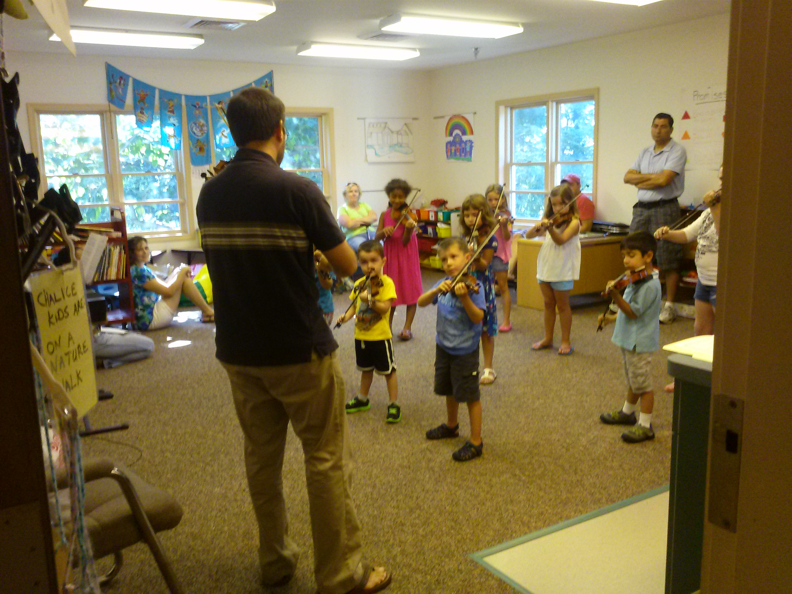 Violin Lessons – Suzuki Group Class in Cherry Hill NJ